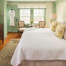 Kennebunkport, Maine B&B - Lyman Room bed
