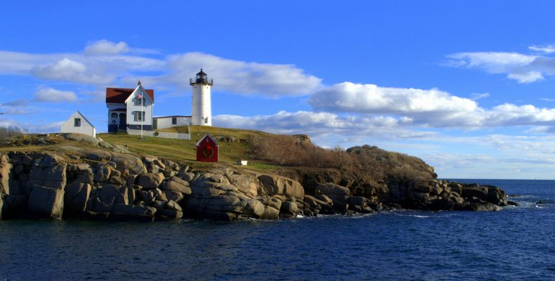 lighthouse in kennebunk, maine