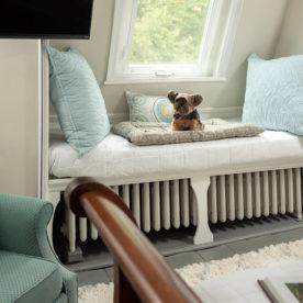 Pet Friendly Waldo's Retreat room