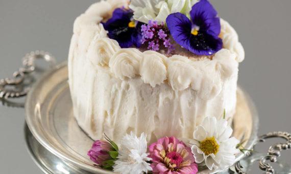 4 inch personalized vanilla cake